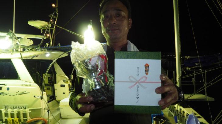 8月31日イカメタル!本日は、岡山の釣り具屋さん、オーシャン様主催の大会(参加艇8隻、参加者76名)に昇龍丸さんの呼び掛けで出船しました!限られた時間の中での戦いでしたが皆さんとても良く頑張って 頂きました✨  船中350杯