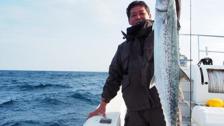 11月17日  東寄りの風が強まる予報だったので、隠岐の島を諦め近海のジギングになりました!日本海にしては、潮の流れがとても速く根魚が全く釣れない状況でしたが、回遊魚達の活性はとても高く狙えばエンドレスに釣れる感じでした💦